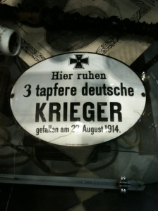 Duits grafembleem uit privémuseum Hooge Crater. Foto: Pim Huijnen © all rights reserved