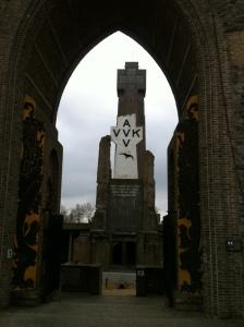 Monument en IJzertoren in Diksmuide. Foto: Pim Huijnen © all rights reserved